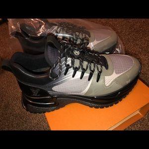 501de15ce736 Louis Vuitton Shoes - Louis Vuitton Men s Run Away Pulse Sneaker